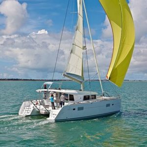 Lagoon 400 S2 – 3 + 2 cab. – MY ELFRI III